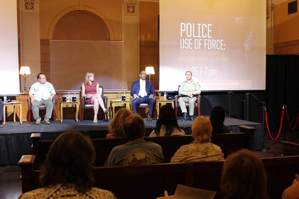 El debate incluyó a miembros de diferentes agencias de seguridad, incluido el Departamento de Policía Metropolitana de Las Vegas. Miércoles 25 de julio de 2018. Museo de la Mafia. Foto Cristian ...