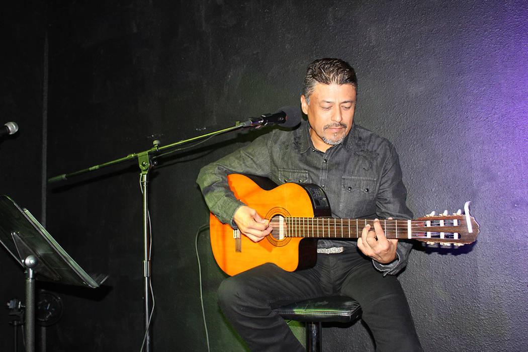 """Nelson Terán, es compositor de la música del cortometraje """"Bordando la Frontera"""". Sábado 28 de julio de 2018. Luces de Bohemia. Foto Cristian De la Rosa / El Tiempo - Contribuidor."""