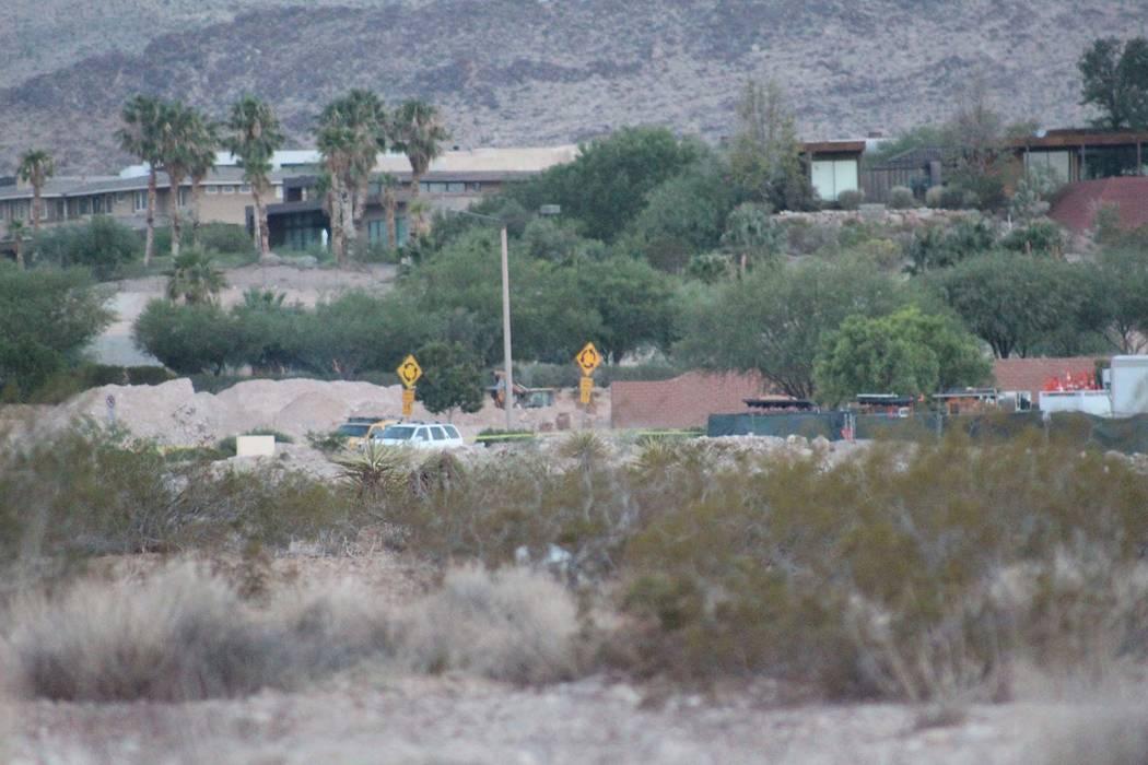 La policía de Las Vegas está investigando un accidente fatal cerca de Town Center y West Flamingo la madrugada del viernes 3 de agosto de 2018. (Max Michor / Las Vegas Review-Journal)