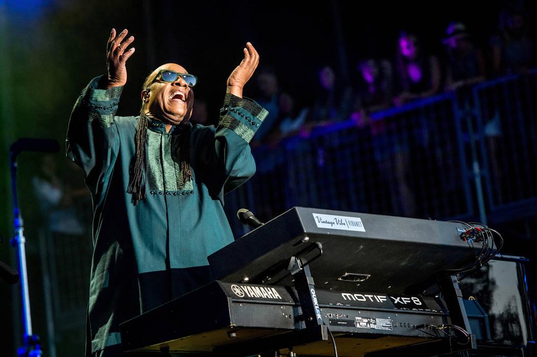 Stevie Wonder se presenta en el Festival de Música BottleRock Napa Valley en Napa Valley Expo el viernes 27 de mayo de 2016 en Napa, California. (Foto por Amy Harris / Invision / AP)