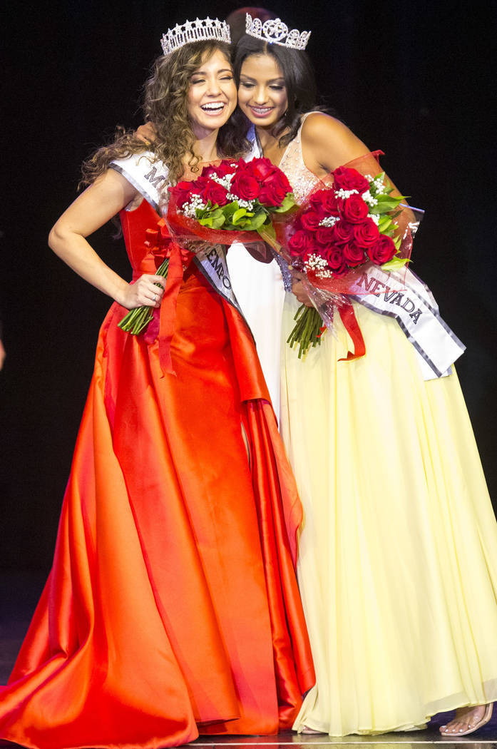 Miranda Contreras es la nueva Miss El Tiempo y Noelani Mendoza se convirtió en la nueva Miss Teen El Tiempo. Sábado 4 de agosto en el hotel y casino Sam's Town. Foto Richard Brian / Las Vegas Re ...