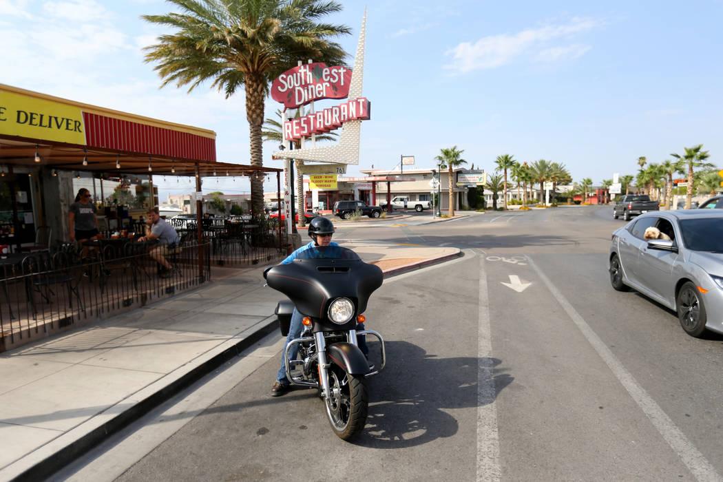 Tabitha Kast de Boulder City después de desayunar en Southwest Diner en la esquina de Nevada Way y 5th Street en Boulder City el miércoles 1 de agosto de 2018. K.M. Cannon Las Vegas Review-Journ ...