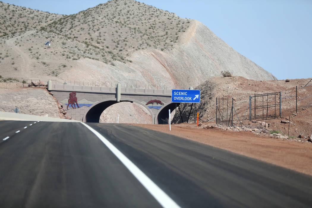 Un puente de vida silvestre sobre la Interestatal 11 el viernes, 3 de agosto de 2018. K.M. Cannon Las Vegas Review-Journal @KMCannonPhoto