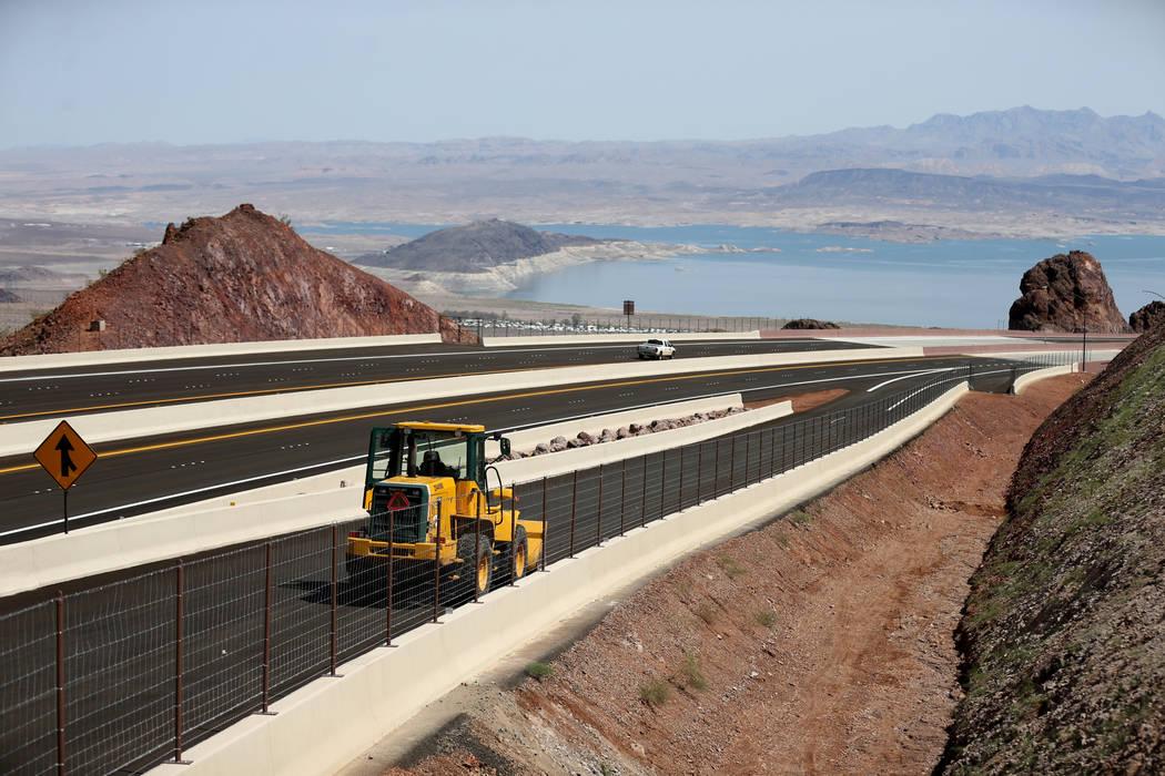 La Interestatal 11 y Lake Mead desde el mirador de la Interestatal 11 el viernes, 3 de agosto de 2018. K.M. Cannon Las Vegas Review-Journal @KMCannonPhoto