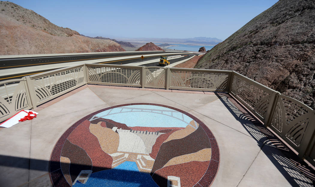 La Interestatal 11 y Lake Mead desde el mirador de la Interestatal 11 el viernes, 3 de agosto de 2018. K.M. Cannon Las Vegas Review-Journal @KMCannonPhoto