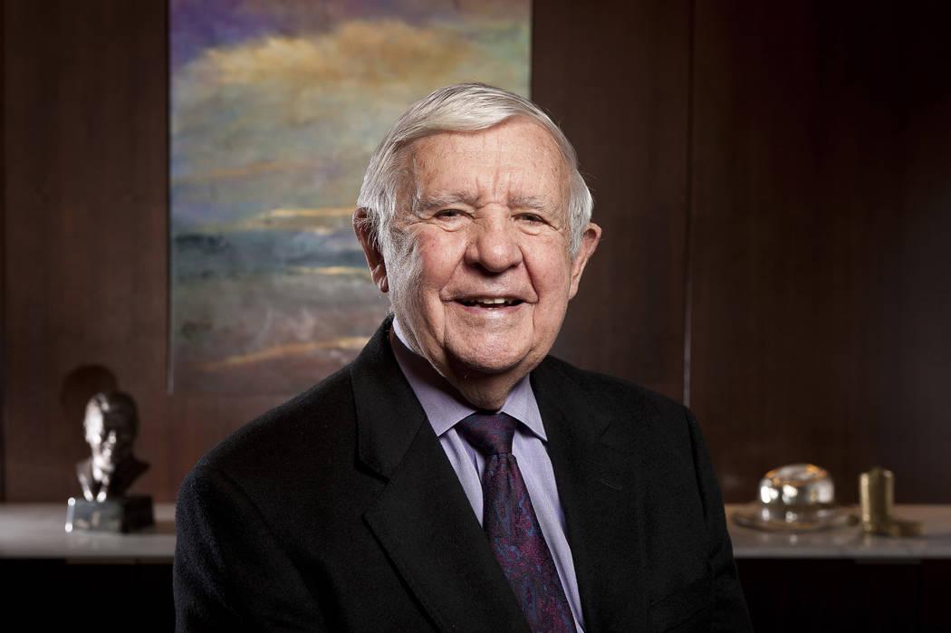 El ex senador de Nevada y gobernador, Paul Laxalt, en su suite de oficinas en el centro de la ciudad de Washington, DC en 2010. (Cliff Owen / AP)
