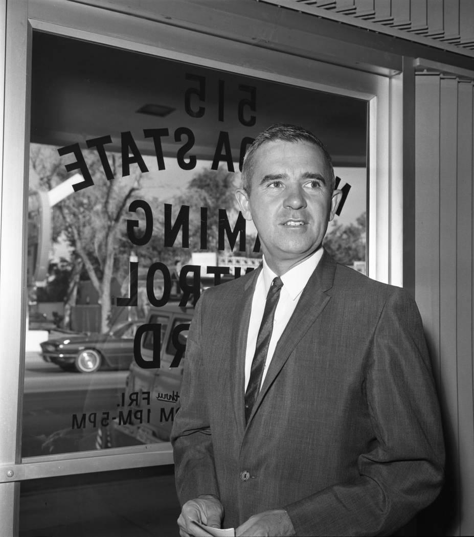 El gobernador Paul Laxalt antes de una reunión de la Junta de Control de Juego de Nevada en 1967. (Foto de archivo Las Vegas Review-Journal)
