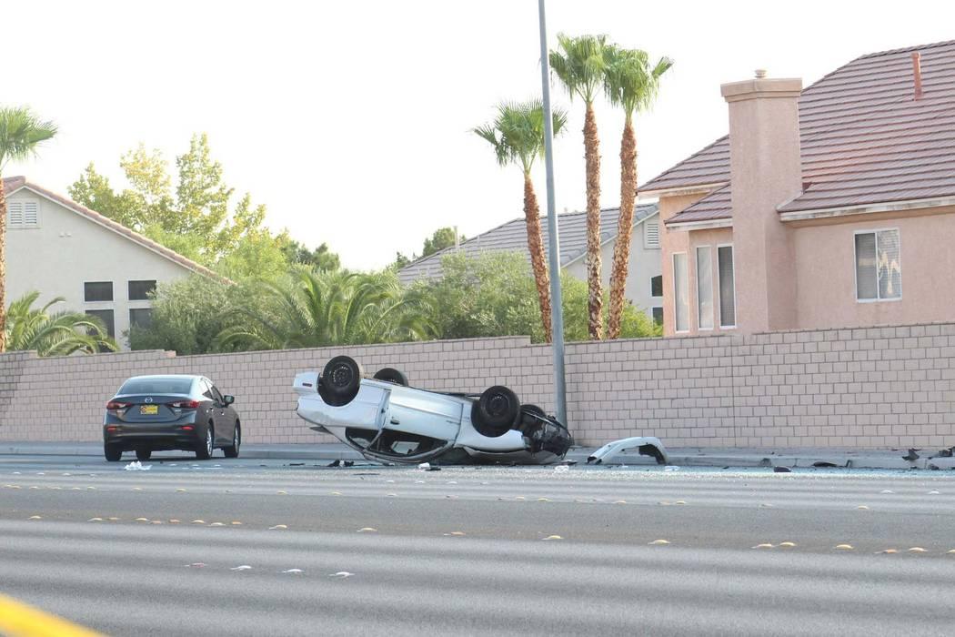 La policía de Las Vegas informó que una persona resultó herida en una colisión en Durango Drive, entre Tropicana Avenue y Peace Way, en el oeste de Las Vegas, el jueves 9 de agosto de 2018. (M ...