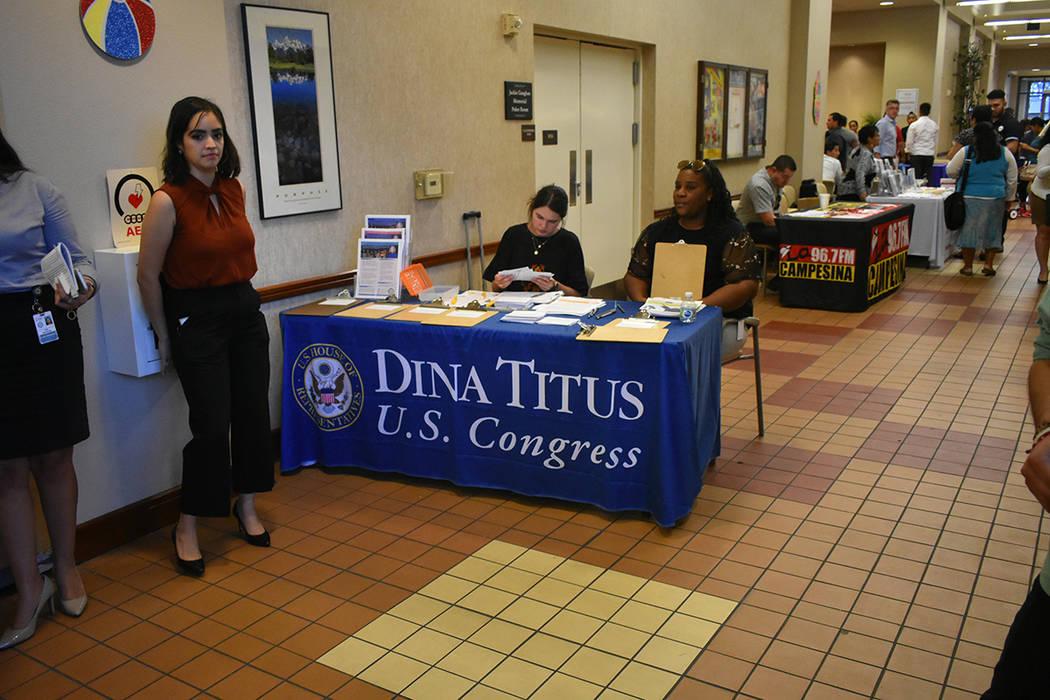 La oficina de la congresista Dina Titus (Distrito 1) llevó a cabo su evento anual 'Feria de Inmigración y Prevención de Fraude'. Miércoles 8 de agosto de 2018 en el Centro Comunitario Este ...