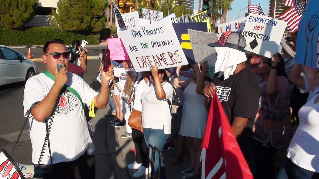 Distintas personas se han manifestado a favor de DACA. Foto Anthony Avellaneda / El Tiempo - Archivo.
