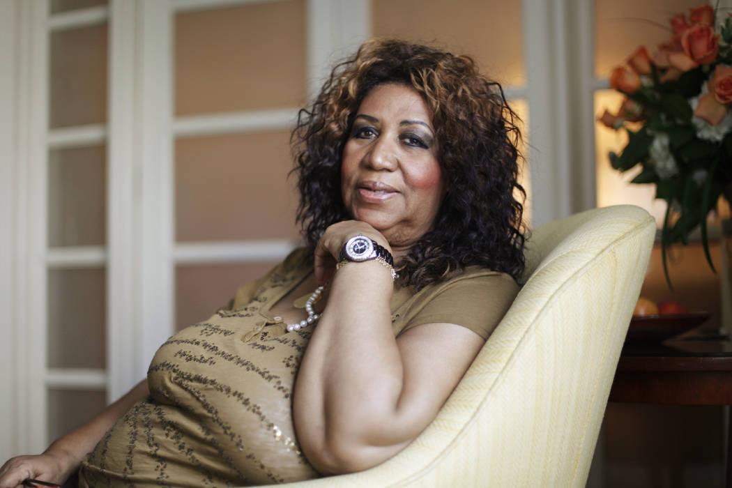 La cantante de soul Aretha Franklin posa para un retrato en Filadelfia, el 26 de julio de 2010. Franklin murió el jueves 16 de agosto de 2018 en su casa en Detroit. Tenía 76 años. (Matt Rourke ...