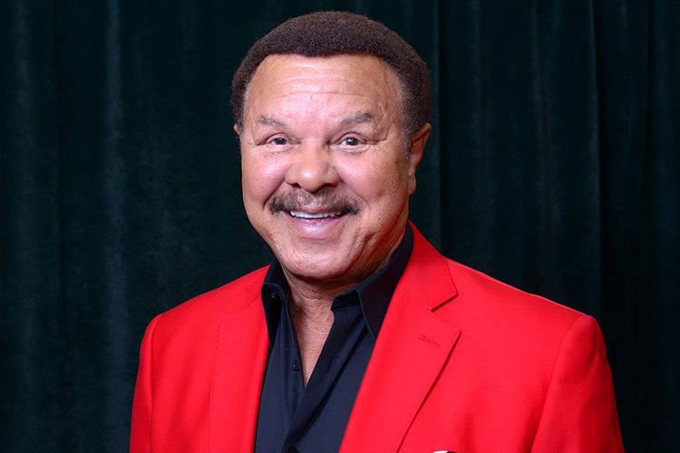 Sonny Charles, cofundador de los Checkmates, se presenta con Sonny Turner el domingo en Henderson Pavilion. (Foto de cortesía)