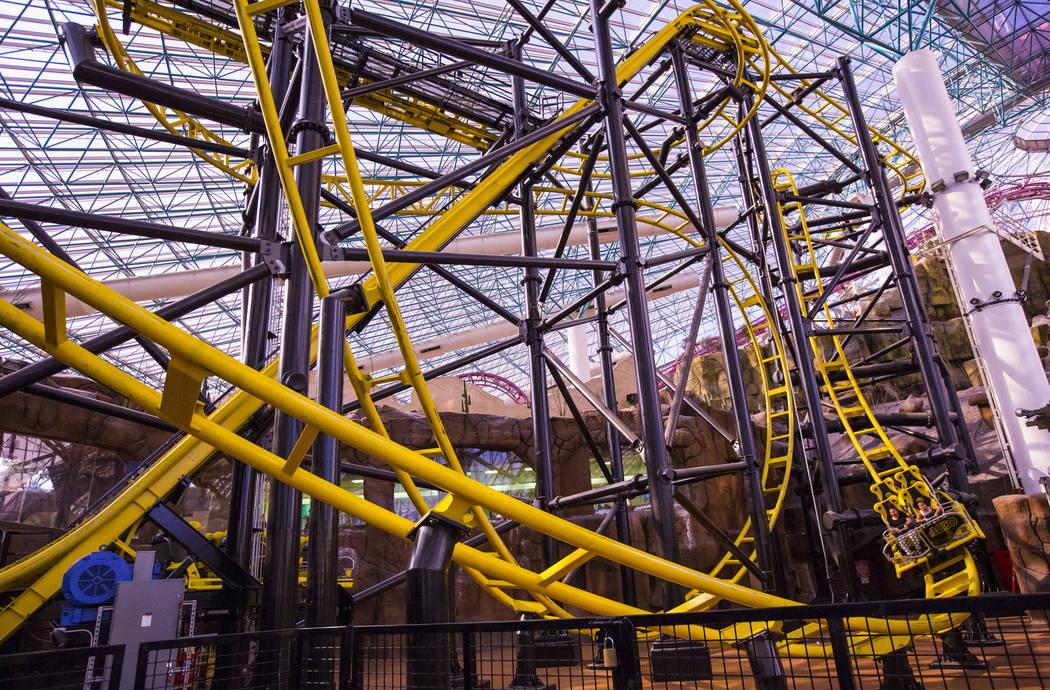La montaña rusa El Loco en el Adventuredome en Circus Circus en Las Vegas el viernes 22 de junio de 2018. Chase Stevens Las Vegas Review-Journal @csstevensphoto