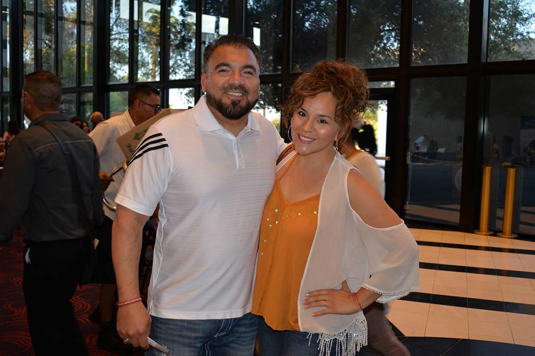 Luis Valera y su esposa Iveth Aldaba en el inicio de la gira México en el Corazón 2018 en Las Vegas. Viernes 17 de agosto de 2018 en el Artemus W. Ham Concert Hall de UNLV. Foto Frank Alejandre ...