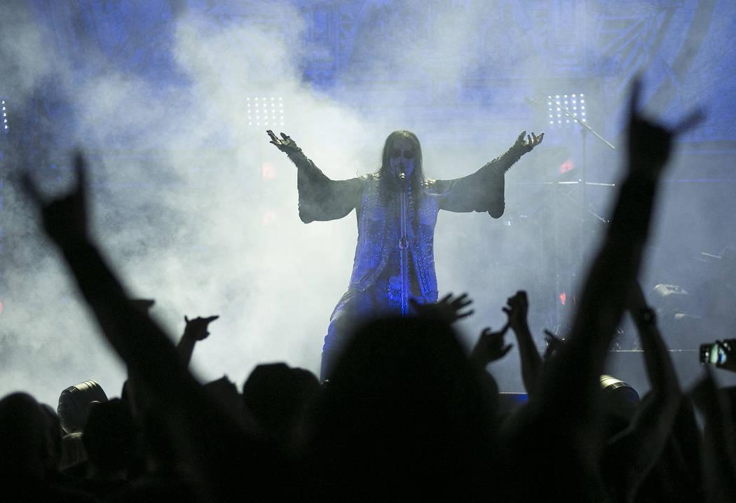 El vocalista de Dimmu Borgir, Shagrath, se presenta en el tercer día de Psycho Las Vegas en el Hard Rock Hotel de Las Vegas el lunes 20 de agosto de 2018. Richard Brian Las Vegas Review-Journal @ ...