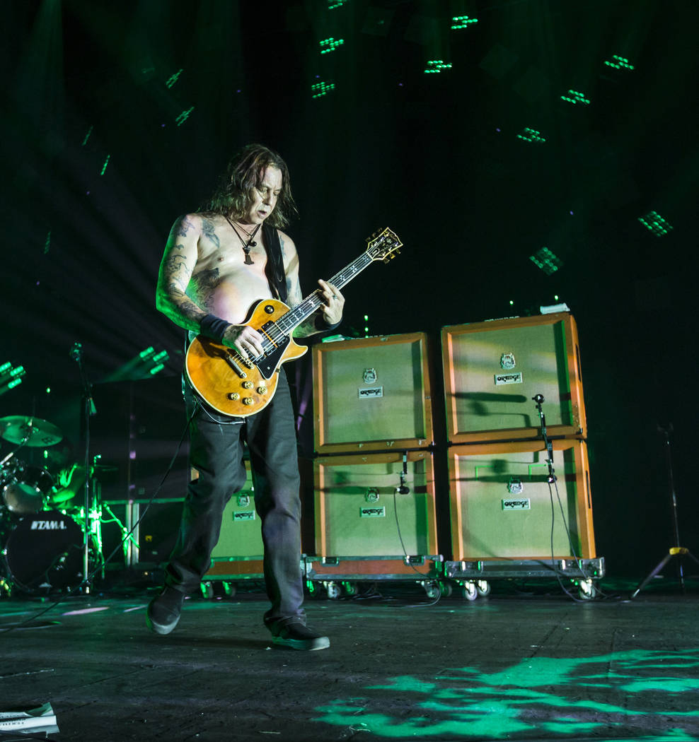 Matt Pike de High on Fire actúa en The Joint durante el festival de música Psycho Las Vegas en el Hard Rock Hotel de Las Vegas el viernes 17 de agosto de 2018. Chase Stevens Las Vegas Review-Jou ...