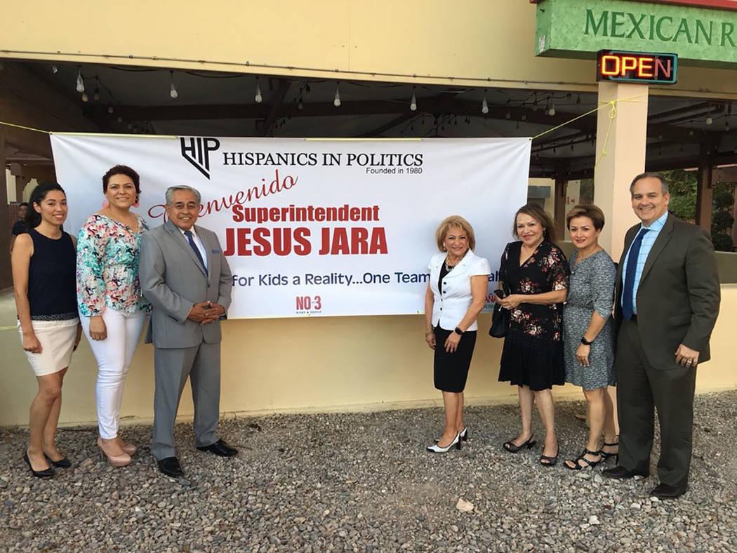 Líderes hispanos dieron la bienvenida al superintendente del CCSD, Jesús Jara. Miércoles 22 de agosto de 2018, en el restaurante La Cabaña. Foto Cortesía.