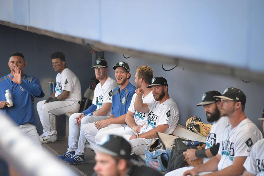 El ambiente entre los Reyes de Plata es cordial y alegre. Martes 21 de agosto de 2018 en el Cashman Field. Foto Frank Alejandre / El Tiempo.