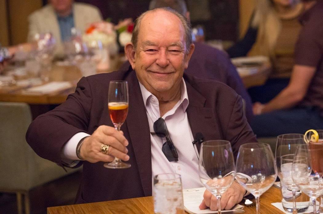 El columnista y presentador de televisión Robin Leach falleció el viernes. (Tom Donoghue)
