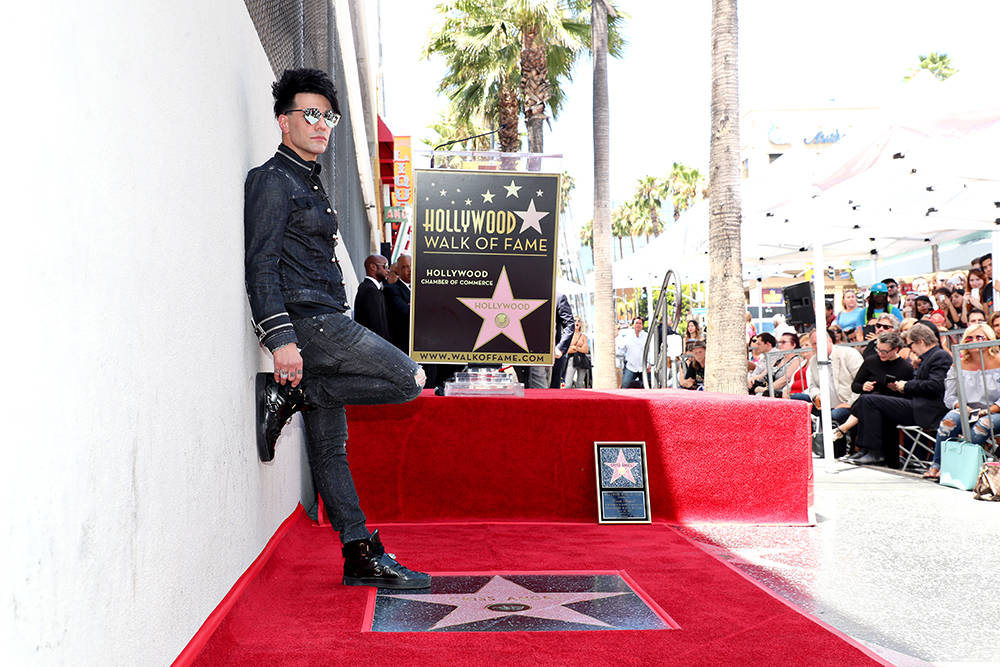 El protagonista de Las Vegas, Criss Angel, obtuvo una estrella en el Paseo de la Fama de Hollywood en honor al 20 de julio junto al Hollywood Roosevelt Hotel en Hollywood Boulevard. (Chelsea Lauren)
