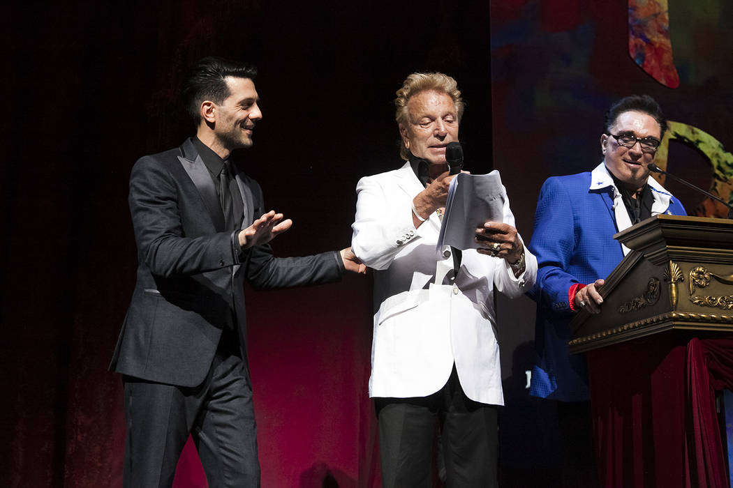Criss Angel, Siegfried Fischbacher y Roy Horn durante Heal Every Life Possible el lunes, 12 de septiembre de 2016, en The Luxor. (Jerry Metellus)