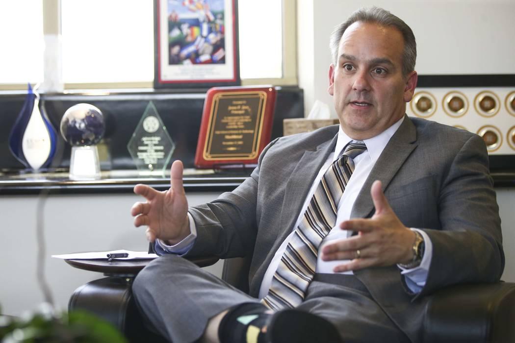 El superintendente del Distrito Escolar del Condado de Clark, Jesús Jara, habla en su oficina en Las Vegas el jueves 26 de julio de 2018. (Chase Stevens / Las Vegas Review-Journal) @csstevensphoto