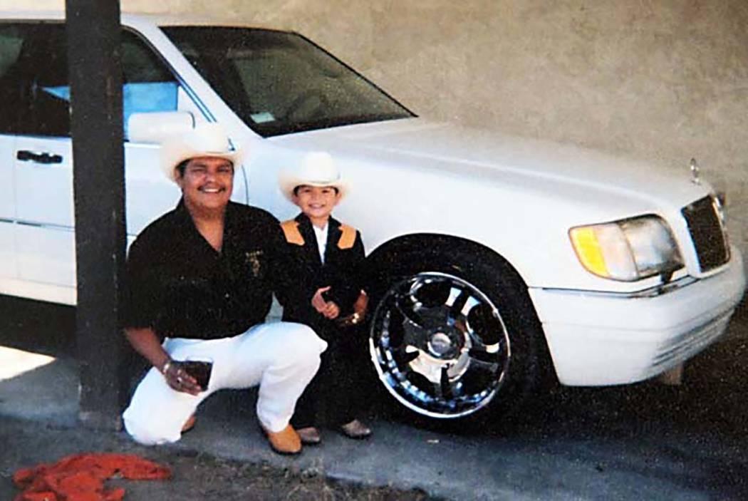 Luis Solano con su hijo, Luis. (Familia Solano)