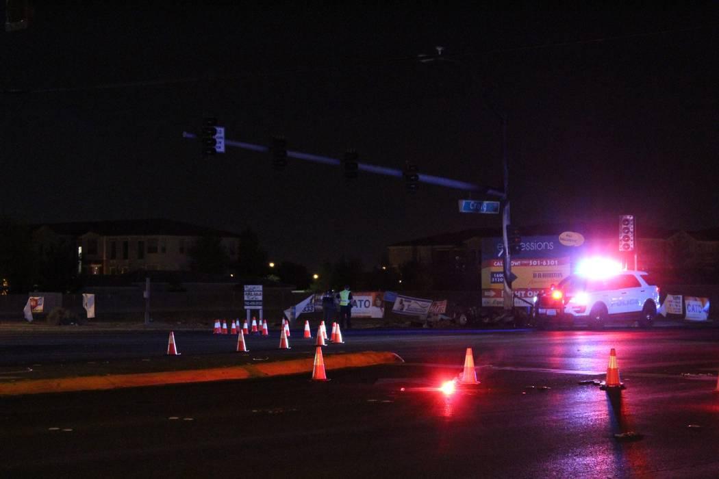 La policía de North Las Vegas está investigando el viernes 31 de agosto de 2018, un accidente en Lamb Boulevard en Craig Road que mató a una persona. (Max Michor / Las Vegas Review-Journal)