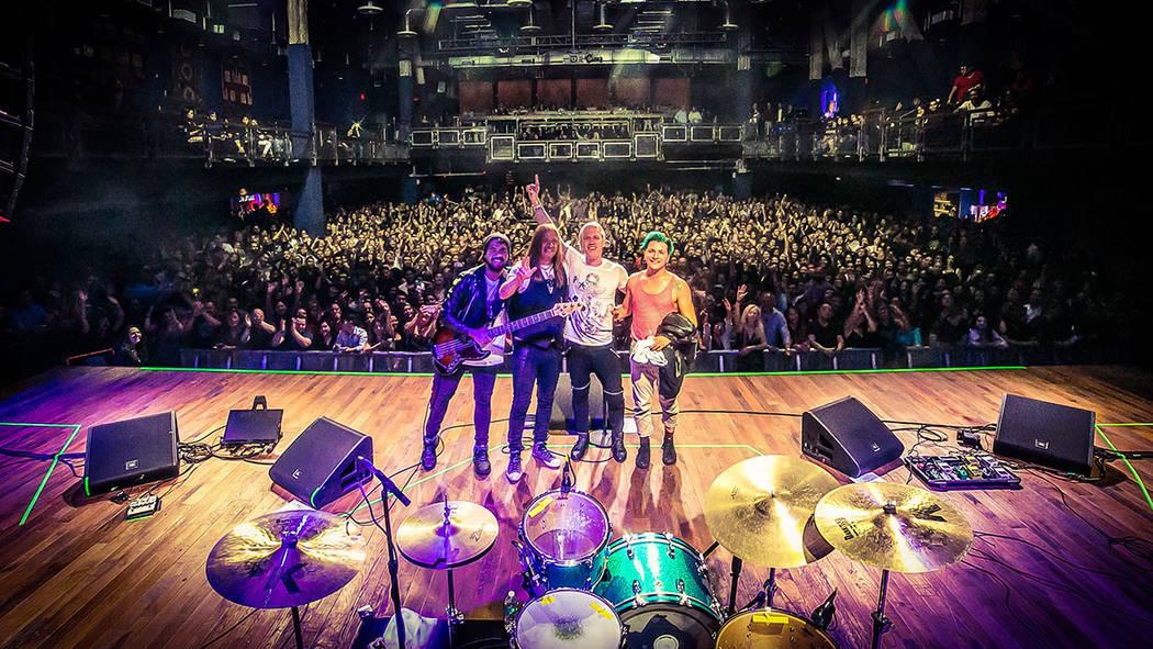 Monoplasma es una nueva banda conformada por Héctor Gerónimo (ex-Moebio) y 'El Vampiro' (ex-Maná, Jaguares y Azul Violeta). [ Foto Cortesía ]