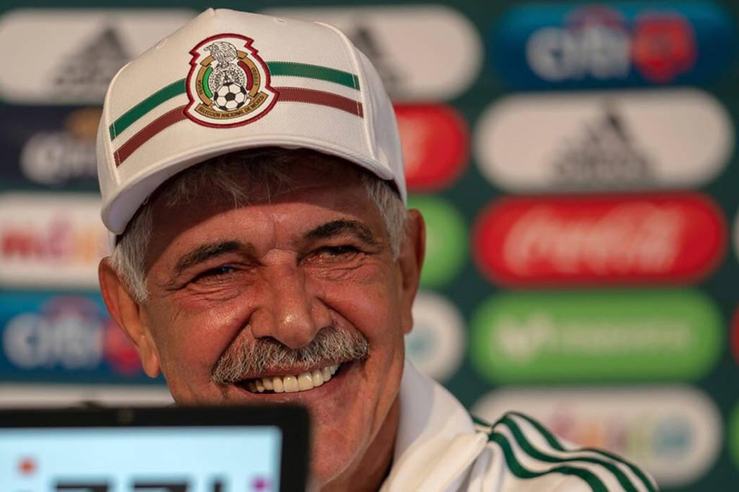 México, 3 Sep 2018 (Notimex-Especial).- Ricardo 'Tuca' Ferretti fue presentado como técnico interino de la Selección Mexicana de Fútbol para los partidos amistosos ante Uruguay y Estados Unidos.