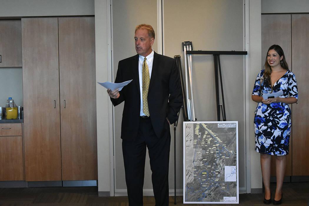 El alcalde de North Las Vegas, John Lee, inició un encuentro internacional con representantes de gobiernos municipales de Guatemala. Jueves 30 de agosto en el edificio municipal de North Las Vega ...