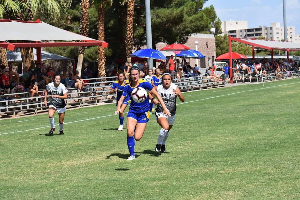 UNLV Rebels buscará calificar a la postemporada durante el año 2018-19 de la liga universitaria de fútbol soccer femenil, perteneciente a Global College USA. Domingo 2 de septiembre en Peter Jo ...