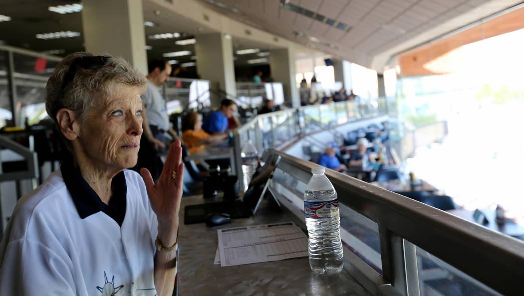 Desde hace mucho tiempo titular de boletos de temporada, Sue Olson, de Bunkerville, habla con un reportero antes del último partido de Las Vegas 51s en Cashman Field en Las Vegas el lunes 3 de se ...