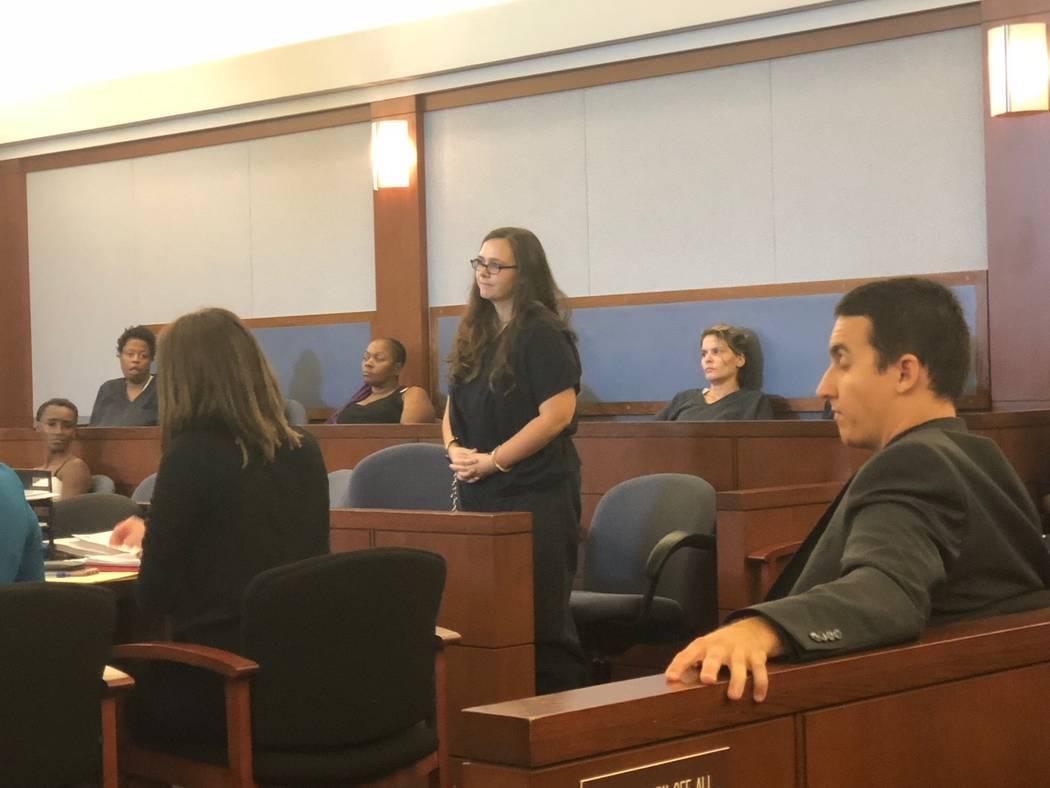 Cassie Smith aparece en la Corte de Justicia de Las Vegas el martes 4 de septiembre de 2018 en relación con la muerte de su hijo de 3 años, Daniel Theriot. (David Ferrara / Las Vegas Review-Journal)