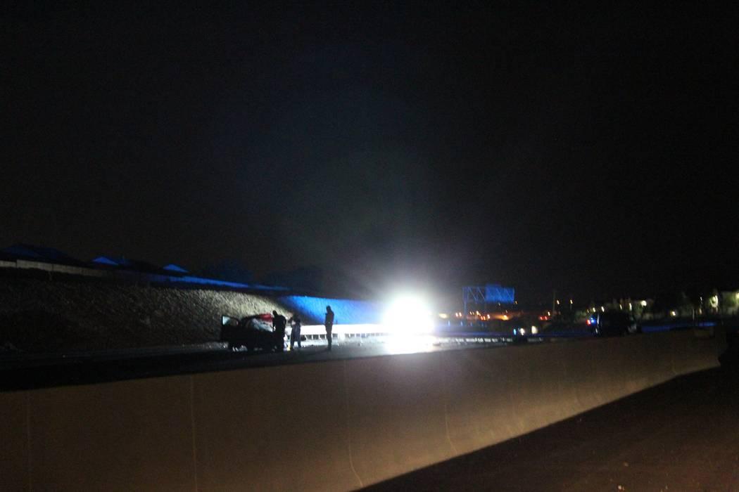Una persona murió cuando un conductor en sentido contrario de la carretera chocó el jueves 6 de septiembre de 2018 con otro vehículo en el norte de 215 Beltway cerca de Cheyenne Avenue. (Max Mi ...