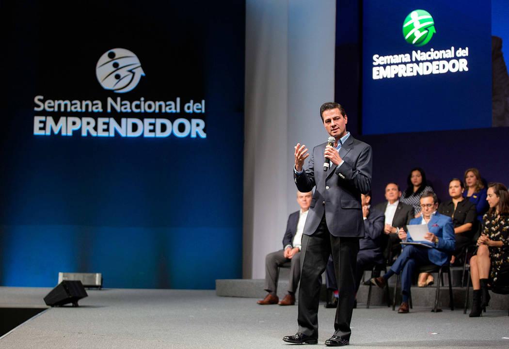 México 10 Sep 2018 (Notimex-Presidencia).- El presidente Enrique Peña Nieto destacó que la generación de la cifra histórica de empleo que asciende a casi cuatro millones, se dio a través de ...