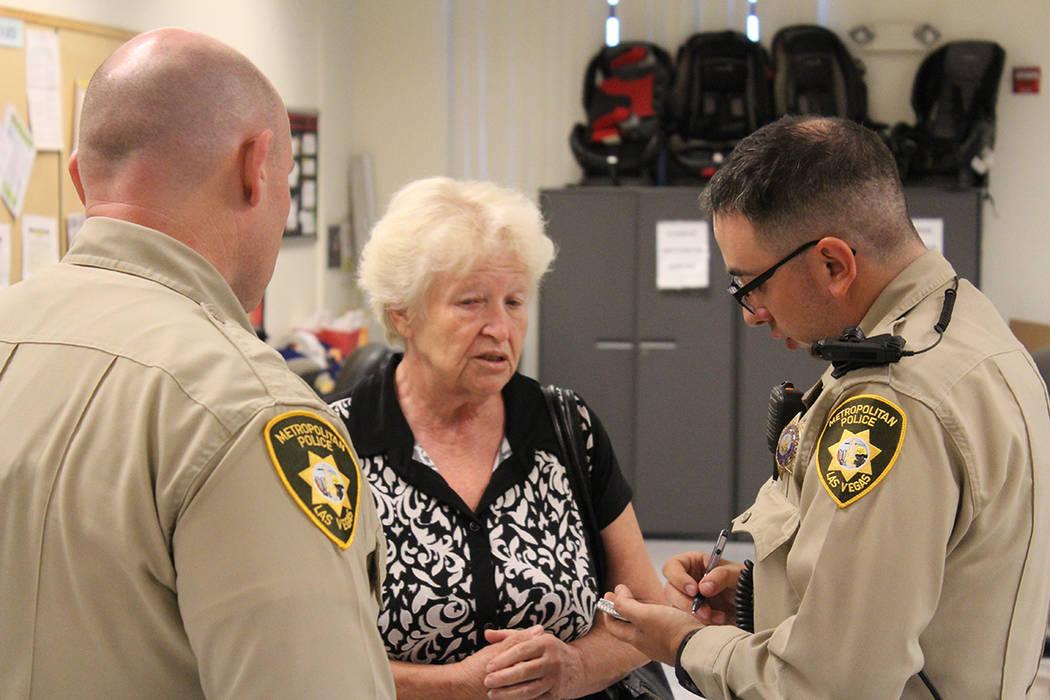 El Primer Martes de mes, las comandancias de la Policía Metropolitana, recibe a la gente con temas educativos en ley y orden. Martes 4 de septiembre del 2018, en la comandancia central de LVMPD. ...