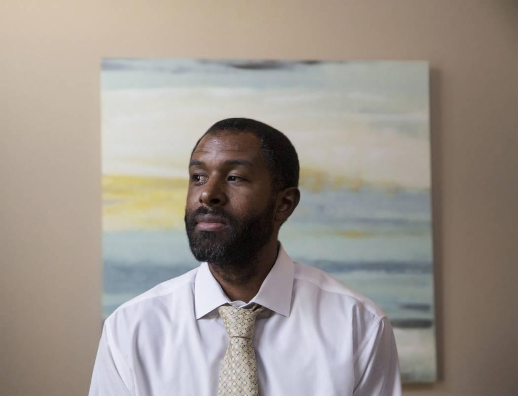 El terapeuta de salud mental con licencia Sheldon Jacobs reflexiona sobre su próximo experimento en el que vivirá en las calles durante 48 horas para obtener una perspectiva sobre los problemas ...