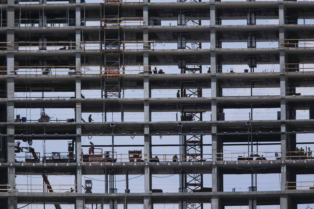 La construcción continúa en Resorts World Las Vegas el jueves 2 de agosto de 2018. Richard Brian Las Vegas Review-Journal @vegasphotograph
