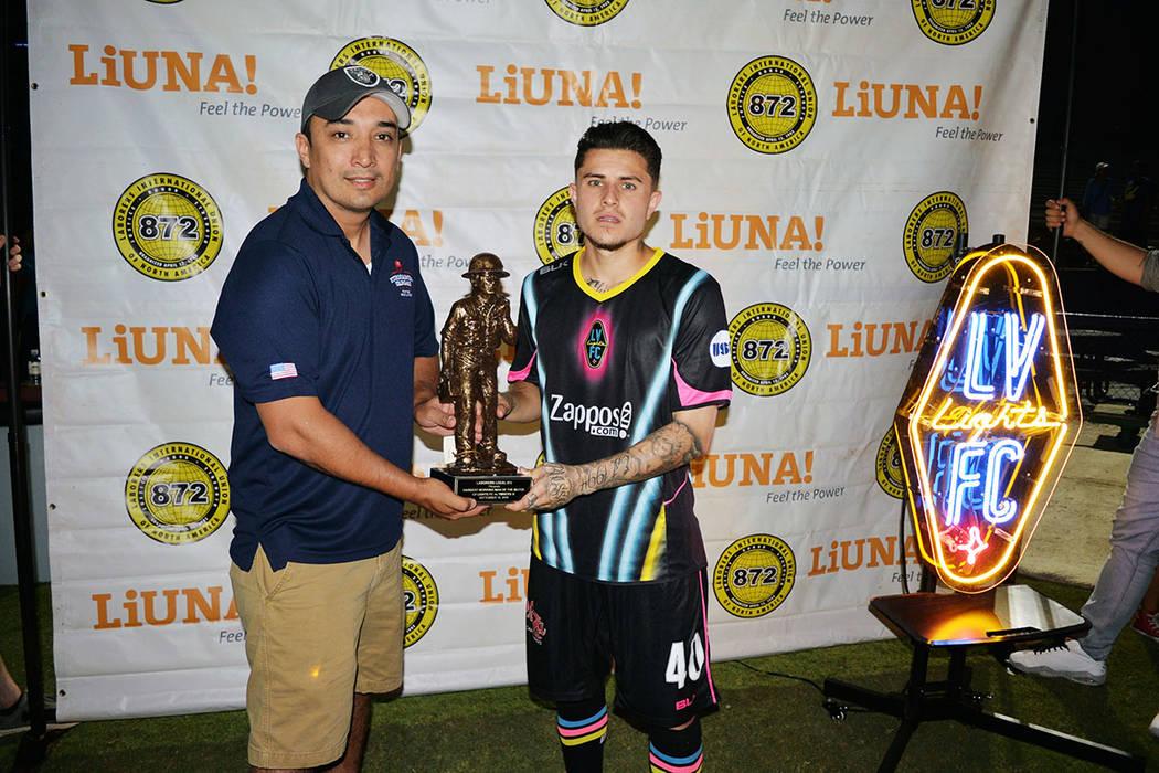 Raúl Mendiola fue elegido como el Jugador Más Valioso del partido. Domingo 16 de septiembre de 2018, en el Cashman Field. Foto Frank Alejandre / El Tiempo.