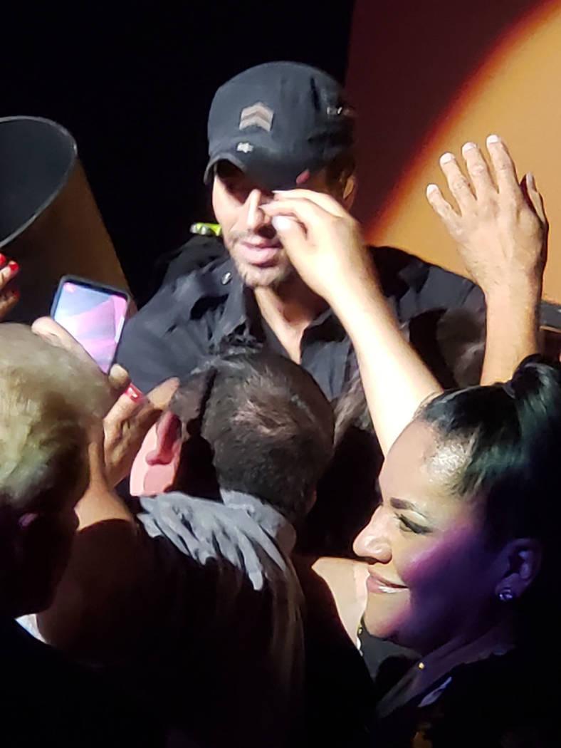 Enrique Iglesias convivió con sus seguidores de Las Vegas. Sábado 15 de septiembre de 2018, en el Caesars Palace. Foto Cortesía.