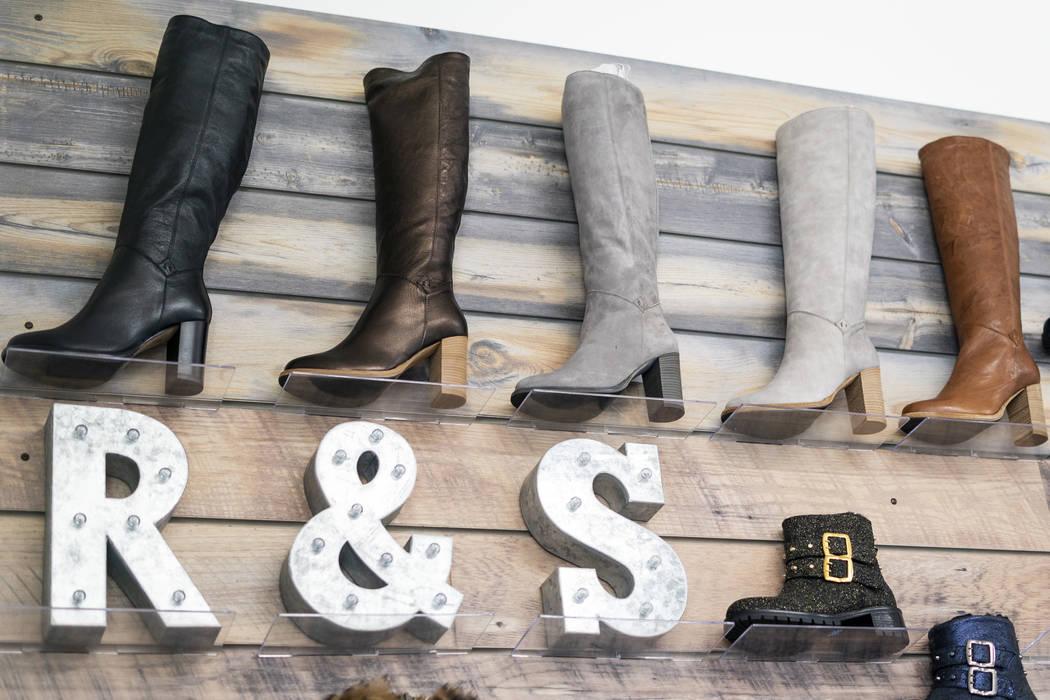 Calzado Ross & Snow fotografiado en la sede central de la compañía en el centro de Las Vegas, el lunes, 10 de septiembre de 2018. (Marcus Villagran / Las Vegas Review-Journal) @marcusvillagran