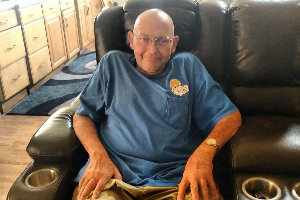 El ex trabajador del sitio de pruebas de Nevada, Ted Yanuzis, ayudó a supervisar la maquinaria utilizada para establecer pruebas nucleares. (Jacob Lasky / Las Vegas Review-Journal)