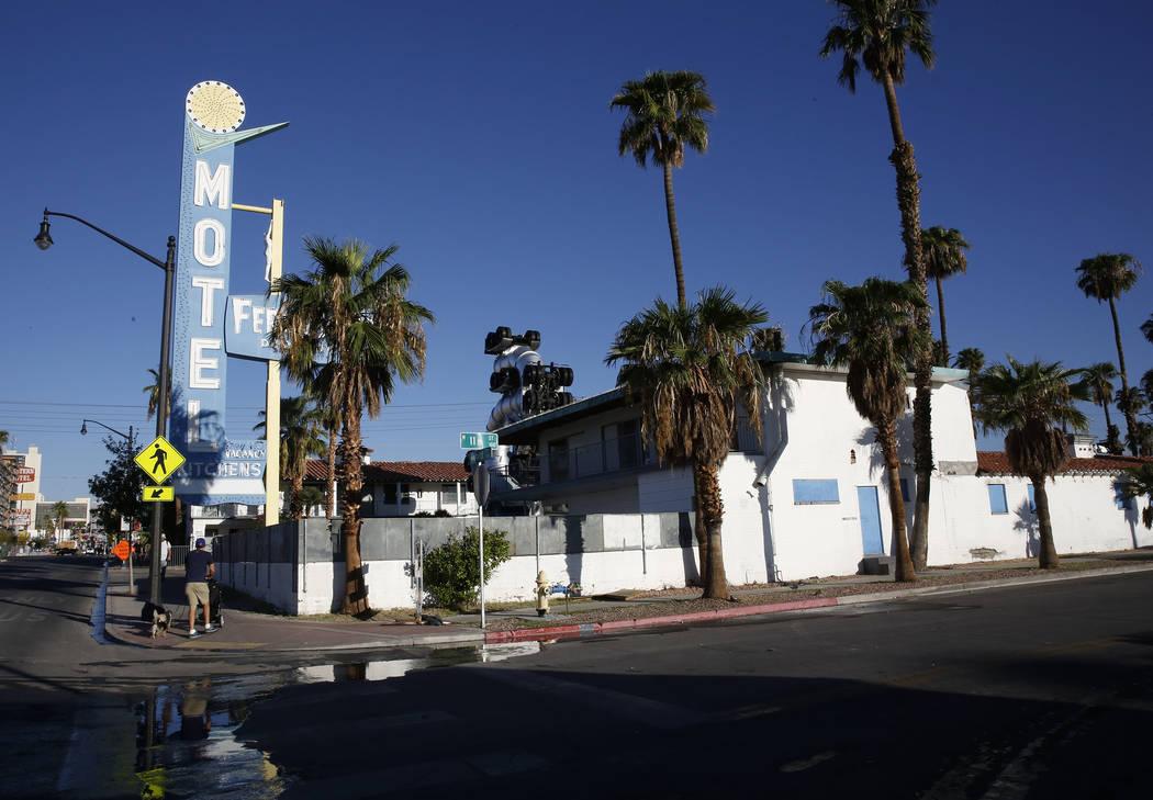 Fergusons Motel, 1028 E. Fremont St. se está convirtiendo en Fergusons Downtown, un campus de uso mixto de una subsidiaria del Proyecto Downtown de Tony Hsieh. Bizuayehu Tesfaye Las Vegas Review- ...