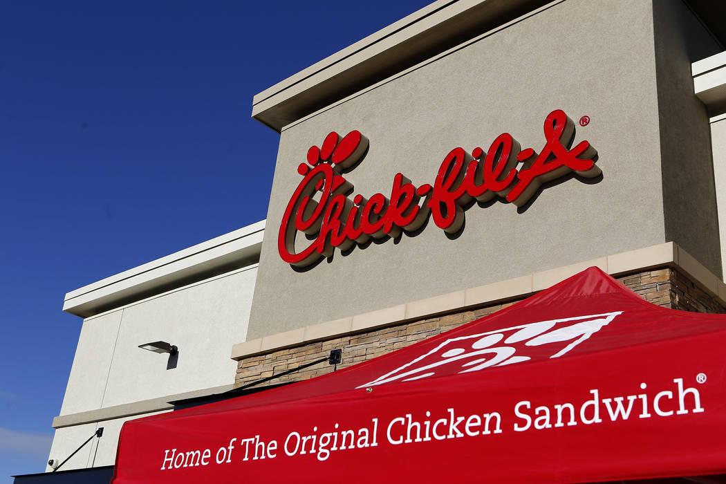 Un cartel de Chick-fil-A en la gran apertura del restaurante el jueves 26 de enero de 2017 en Henderson. (Christian K. Lee/Las Vegas Review-Journal) @chrisklee_jpeg
