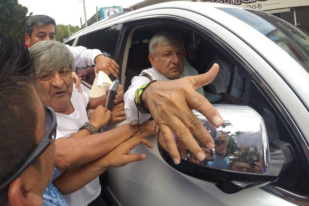 Archivo. México, 16 Sep 2018 (Notimex-José Pazos).- El presidente electo, Andrés Manuel López Obrador, inicia en el estado de Nayarit la denominada gira de agradecimiento en un acto que se rea ...