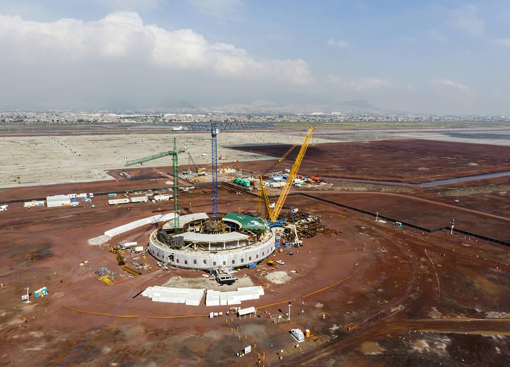 México, 9 Sep 2018 (Notimex-Arturo Monroy).- Desde septiembre de 2015, cuando comenzó la construcción del Nuevo Aeropuerto Internacional de México en Texcoco, el avance de las obras continúa, ...