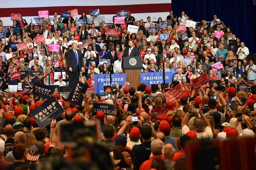 El presidente Donald Trump destacó los logros de su gobierno durante un evento de campaña a favor de los candidatos del Partido Republicano. Jueves 20 de septiembre de 2018 en el Centro de Conve ...