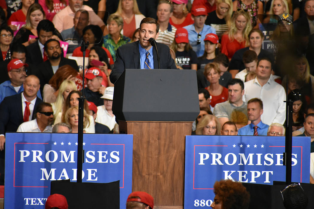 El candidato a la gubernatura de Nevada, Adam Laxalt, durante un evento de campaña. Jueves 20 de septiembre de 2018 en el Centro de Convenciones de Las Vegas. Foto Anthony Avellaneda / El Tiempo.