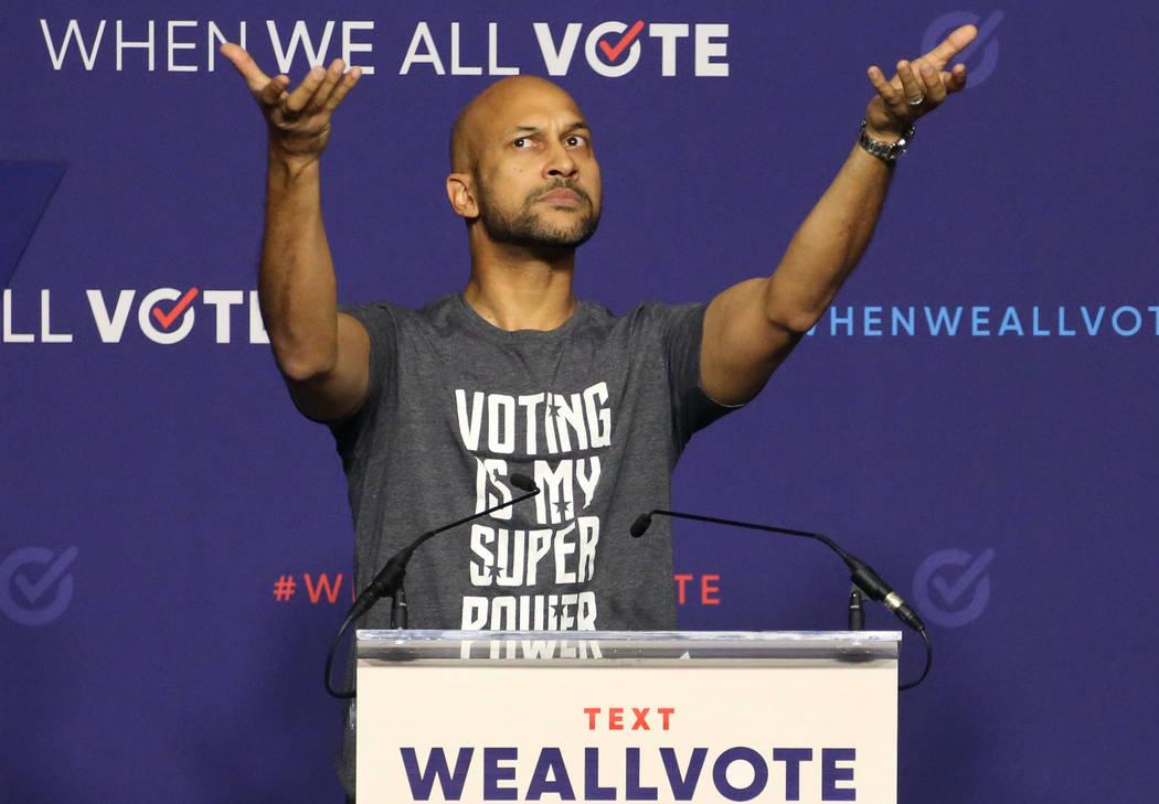 El actor Keegan-Michael Key reacciona al canto del público durante una manifestación de registro de votantes el domingo 23 de septiembre de 2018 en Las Vegas. Bizuayehu Tesfaye / Las Vegas Revie ...